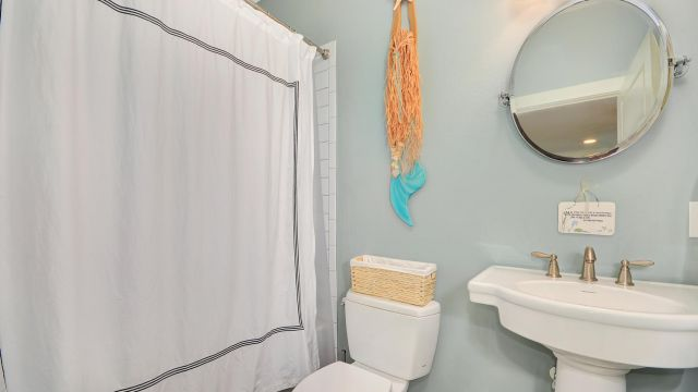 Tampa Custom Home Builder Blake Building guest bath
