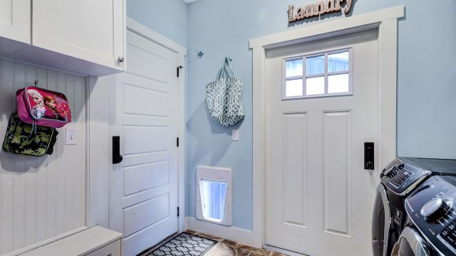 Tampa Custom Home Builder Blake Building mudroom