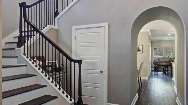 Tampa Custom Home Builder Blake Building grand staircase entryway