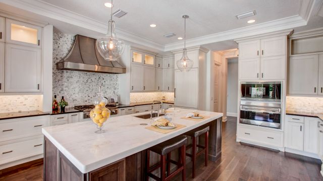 Tampa Custom Home Builder Blake Building luxury kitchen