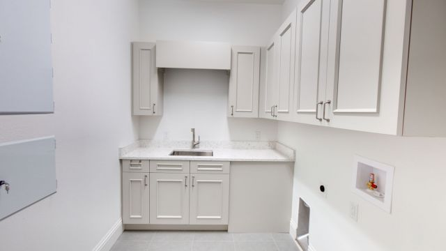 Tampa Custom Home Builder Blake Building laundry room